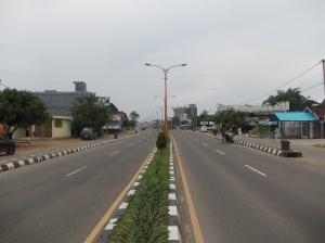 Suasana Pagi Di Jalan Kota