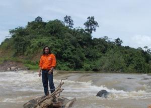 Di Tengah Banjir