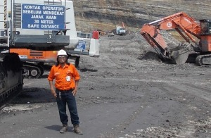 Pekerja Tambang at Open Pit Rama - Satui, South Borneo