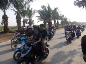 Aksi Massa menolak Gunung Garuda